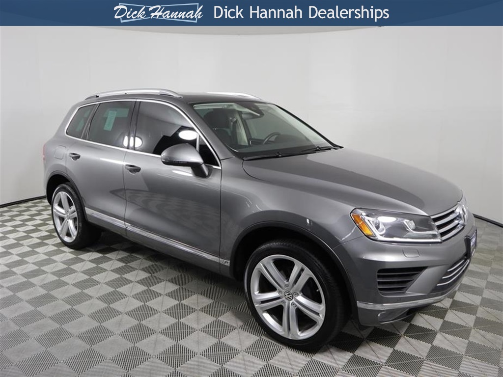 Certified Pre-Owned 2017 Volkswagen Touareg V6 Executive